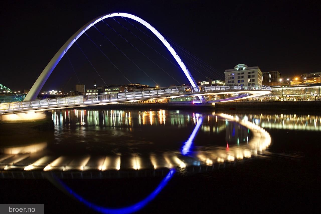 picture of Gateshead Millennium Bridge