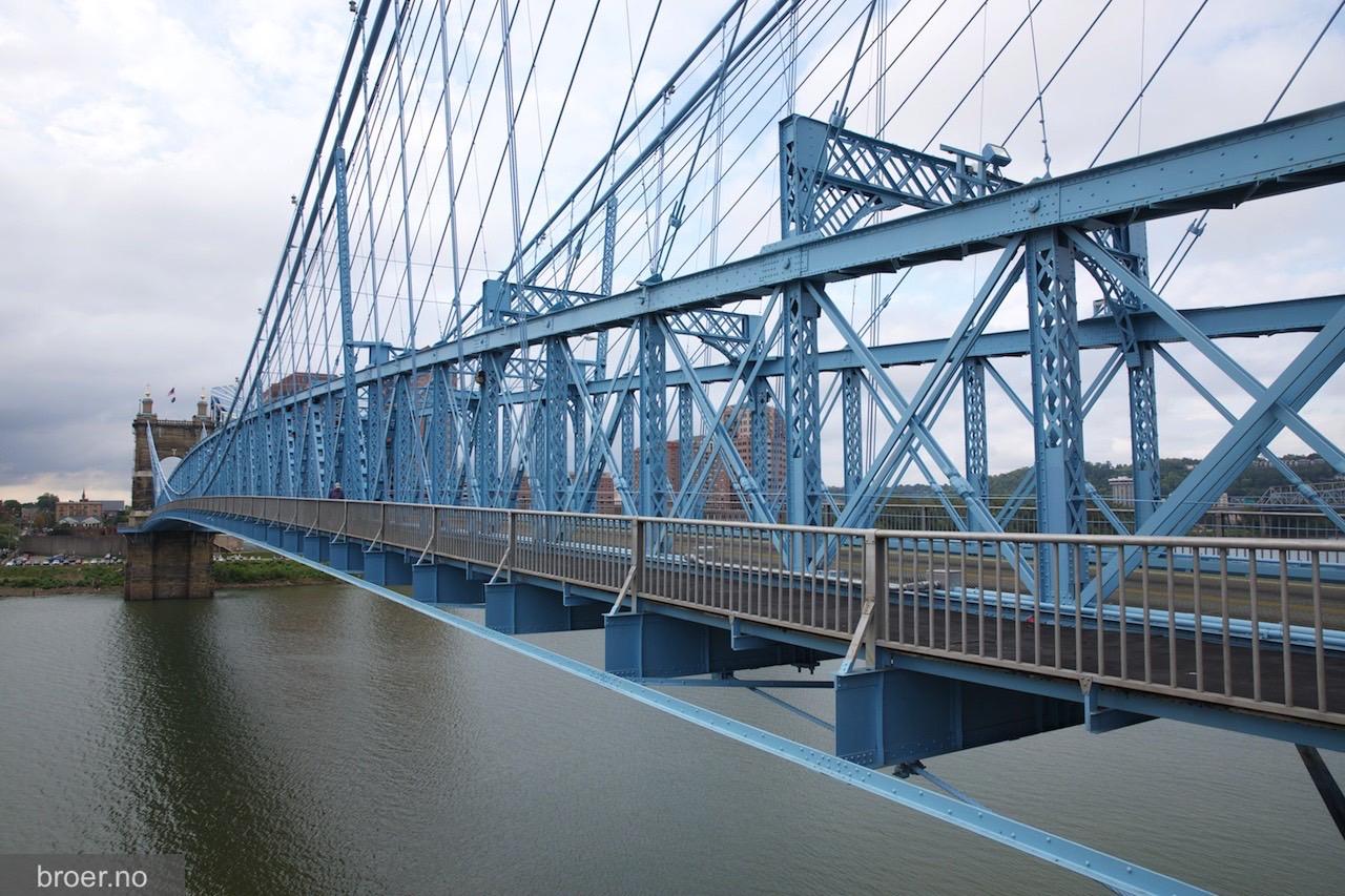 bilde av John A. Roebling Bridge