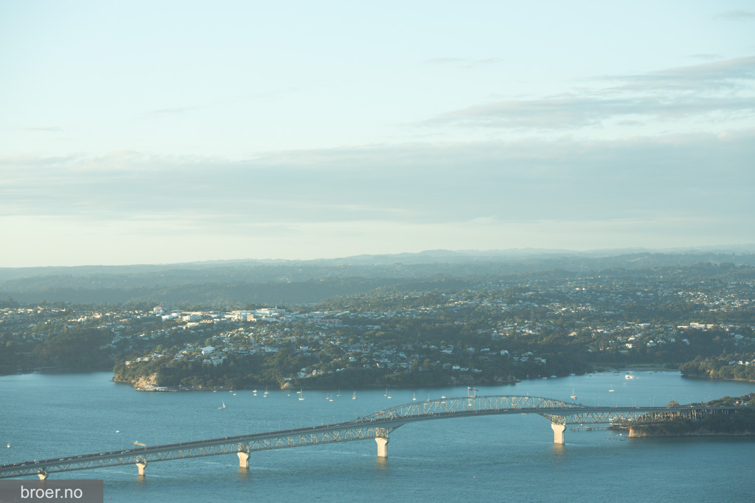 picture of Auckland Harbour Bridge