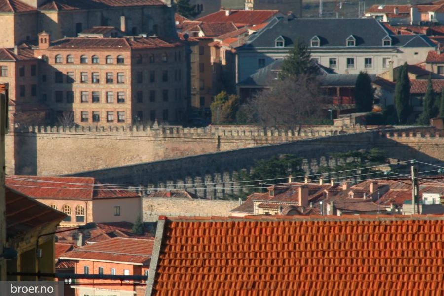 picture of Aqueduct of Segovia