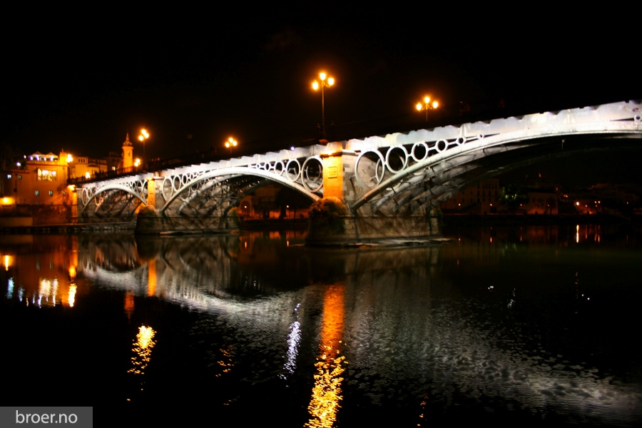 picture of Triana bridge