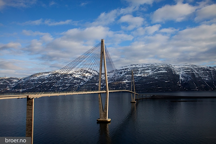 picture of Helgeland Bridge