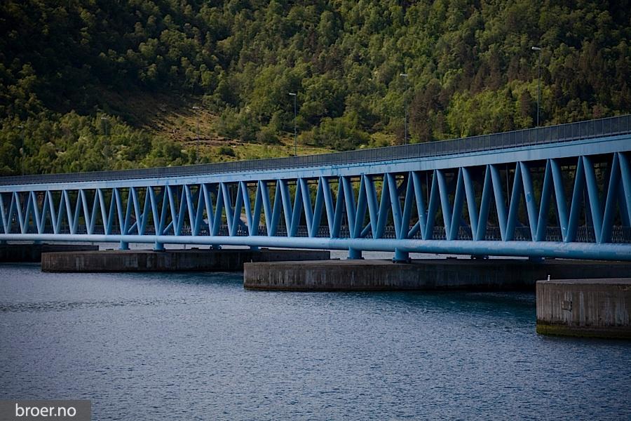 bilde av Bergsøysundbrua