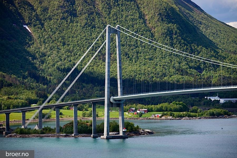 picture of Gjemnessund Bridge