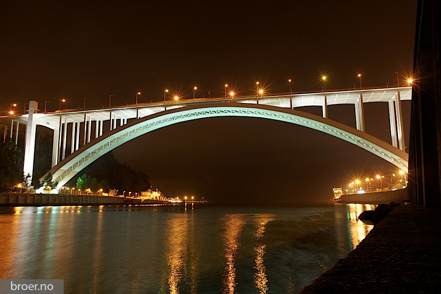 picture of Arrábida Bridge
