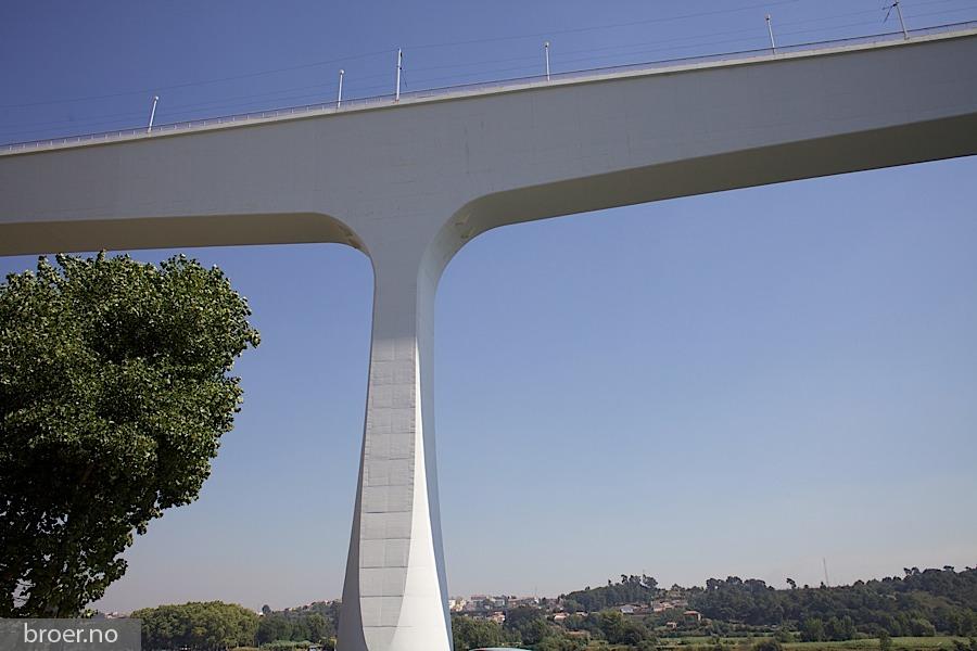 picture of St John Bridge
