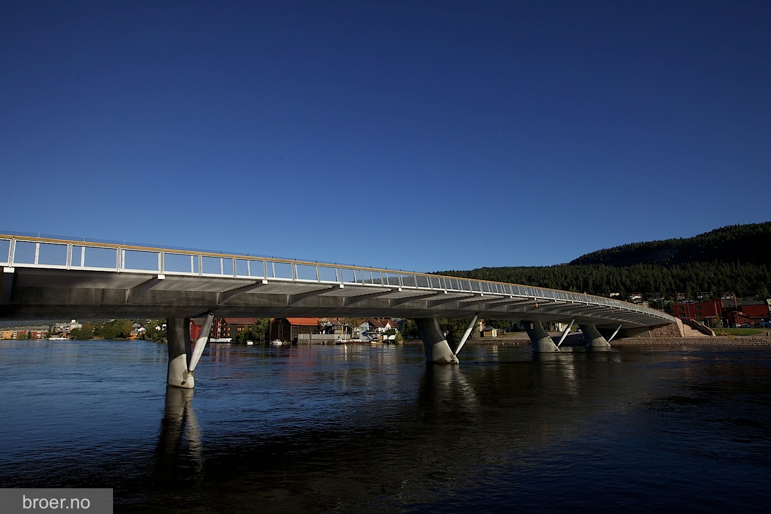 picture of Øvre Sund Bridge
