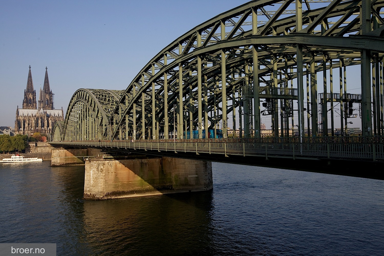 picture of Hohenzollern Bridge