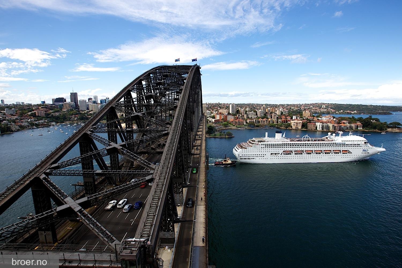 picture of Sydney Harbour Bridge