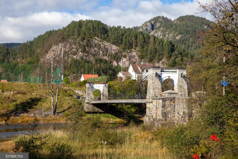 picture of Bakke Bridge