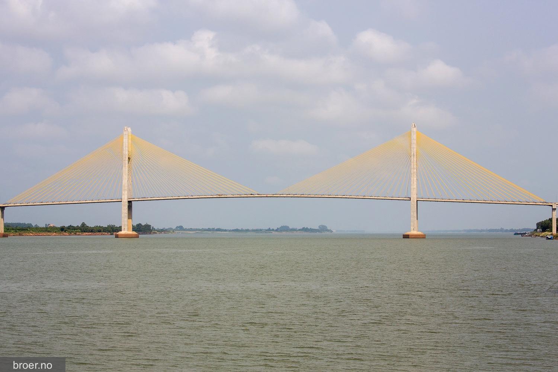 picture of Neak Loeung Bridge